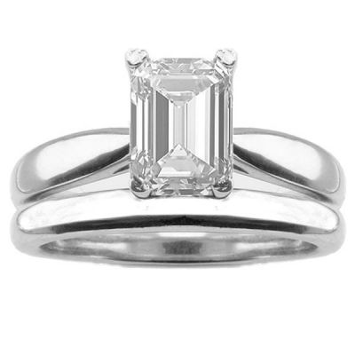Regina Solitaire Engagement Ring Set in 14K White Gold