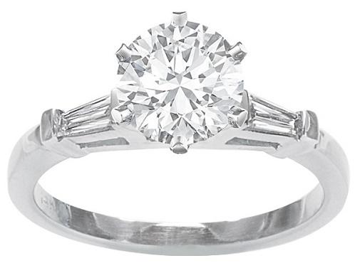 Diamond engagement rings in Houston